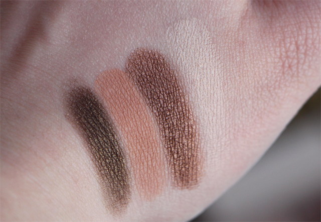 Too Faced - Chocolate Bar - Swatch Lodoesmakeup 1
