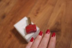 Ciate x Olivia Palermo Hutch My Go To Red - vernis à ongles rouge