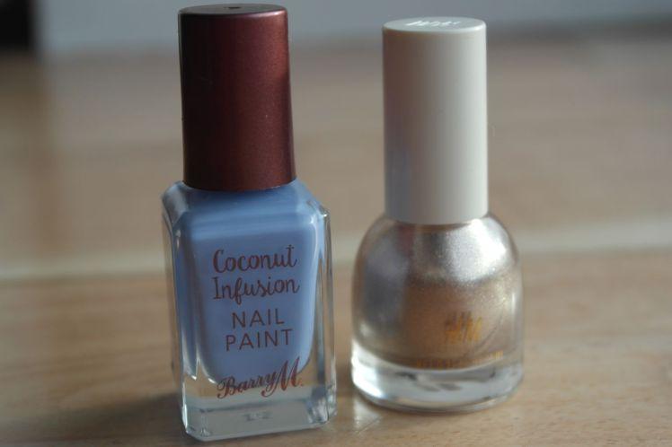 nail-art-bleu-mat-et-dore-barry-m-hm-f