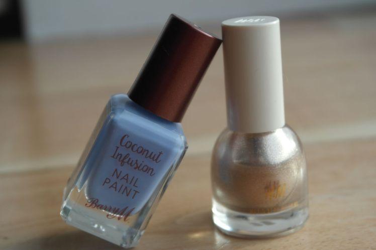 nail-art-bleu-mat-et-dore-barry-m-hm-g